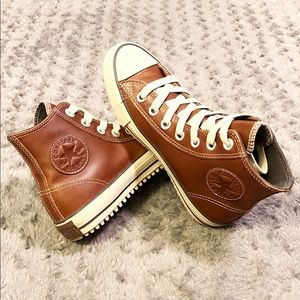 New! Women's Converse Hi-Top paid $82 Size 8